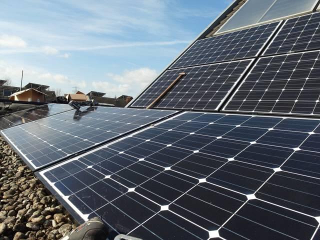 太陽光発電で利益出したいなら全量余剰より一括払い