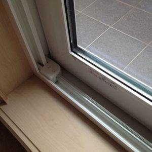 窓-引き違い-中