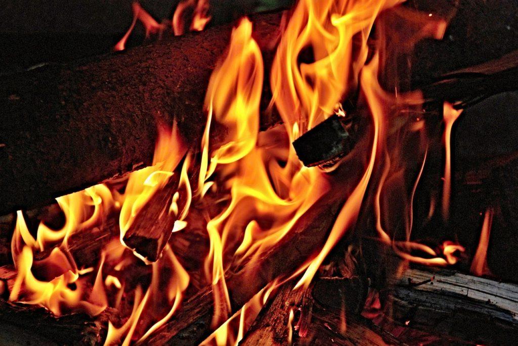 鉄骨より木造のほうが火事に強いのか?