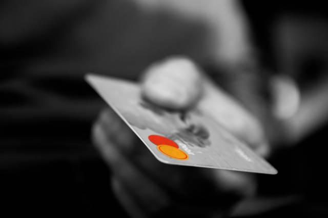 クレジットカードで支払いを滞納させた結果