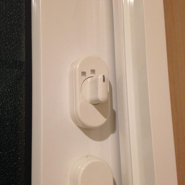 一条工務店の窓のカギが閉まりにくいという不具合