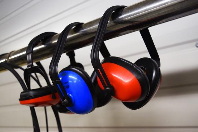 一条工務店の家でも基地近くは騒音がひどい?耐えきれずイヤーマフ買う?
